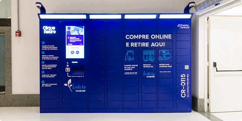 Shoppings instalam armários para retirada de compras online.
