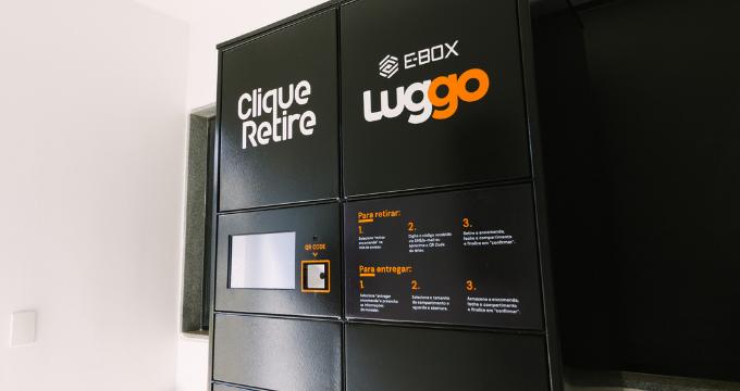 Locker Clique Retire com identificação de marca Luggo