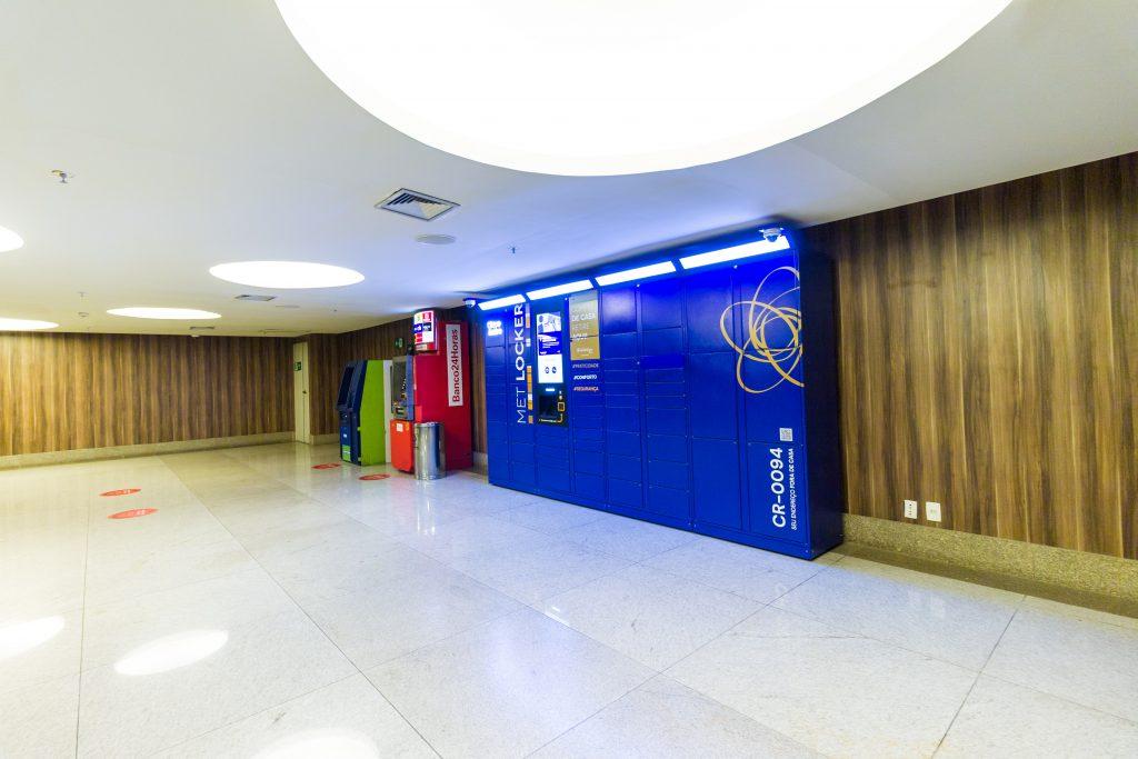 Digitalização de Shoppings -e-Box (smart locker) Clique Retire Shopping Metropolitano - Rio de Janeiro.